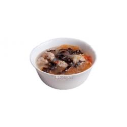 Домашний китайский суп с рисовой лапшой и мясными фрикадельками