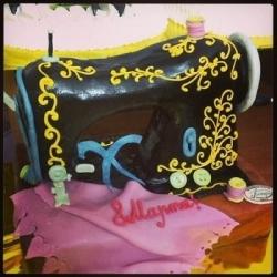 Торт Швейная машинка 2