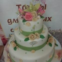 Торт Свадебный с зелёными лентами