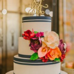 Торт свадебный Яркие чувства - 580 грн/кг  Деревянный топпер - 150 грн : заказать, доставка