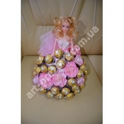 Лялька Барбі з розами