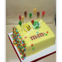 Торт з ммдемсами 2