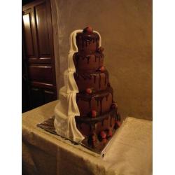 Свадебный торт Клубника в шоколаде: заказать, доставка