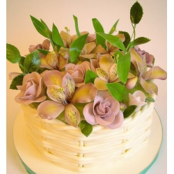 Торт Корзина роз и альстромерий