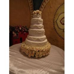 Свадебный торт Свадьба Королевы: заказать, доставка