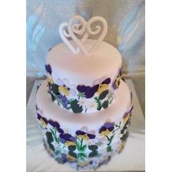 Свадебный торт с фиалками: заказать, доставка