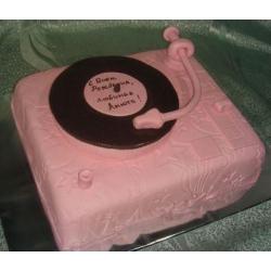 Торт на заказ Проигрыватель