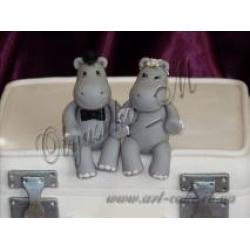 Свадебные чемоданы с бегемотиками (фрагмент)