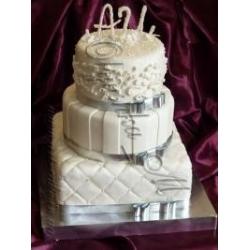 Свадебный с инициалами