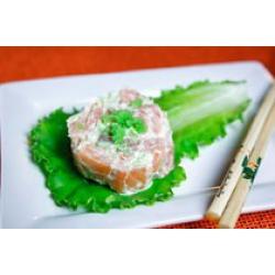 Тартар со свежим лососем